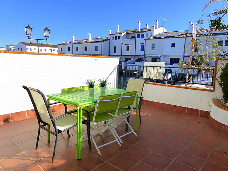 Pretty fisherman's house for sale in Empuriabrava