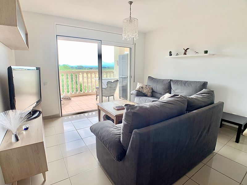 Beautiful two bedroom apartment in Empuriabrava